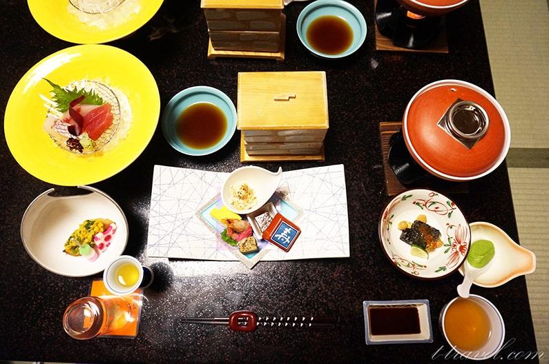 三重県湯の山温泉寿亭の宿泊記お部屋出しの夕食